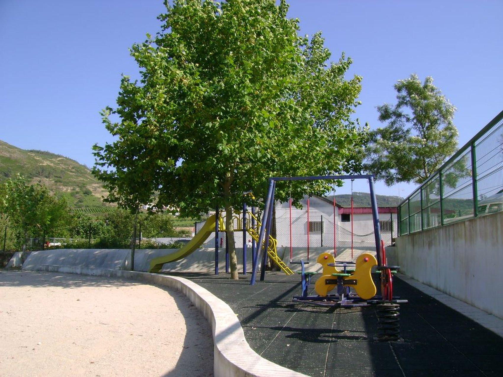 parque infantil pontesmonfalim